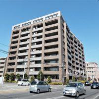 総戸数74戸、全住戸駐車場2台のマンション