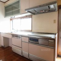 キッチンはそのままでも十分ご利用頂けますが、新品への交換、IHヒーターの交換などご検討されても良いと思います。