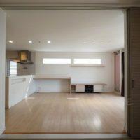 リビングは間続きの和室と一体となった大空間。