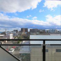 目の前に高い建物がなく、開放感のある眺望です。