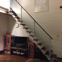 リビングの吹き抜け階段がかっこいいです!