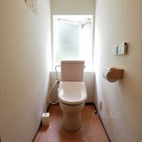 1階トイレは北からの明るい光が気持ち良い空間