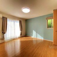 2階西側洋室はウォークインクローゼットもあり、ご夫婦の寝室に最適です