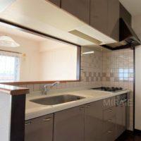 換気扇を含め、キッチンは交換すると良いかも。