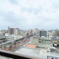 江平通りの大通りを見下ろすこの眺望!開放感があります。
