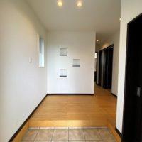 玄関内に入ると右側がウォークインシューズクローゼットです。