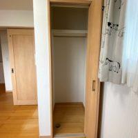 南東側洋室は2間続きとなっており、壁を設ける事で2部屋にセパレートできます。もちろんどちらも収納付きです。