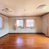 2F東側洋室はセパレートできるお部屋。