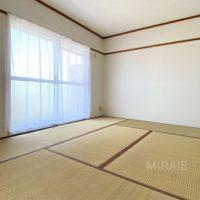 和室は広々8帖!リビングの延長として、客間として、お子様の遊び場として。様々にお使い頂けます。